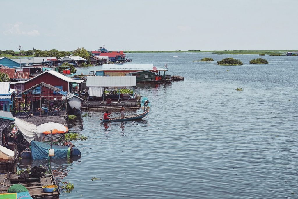 cambodge-tonle-sap-village-flottant