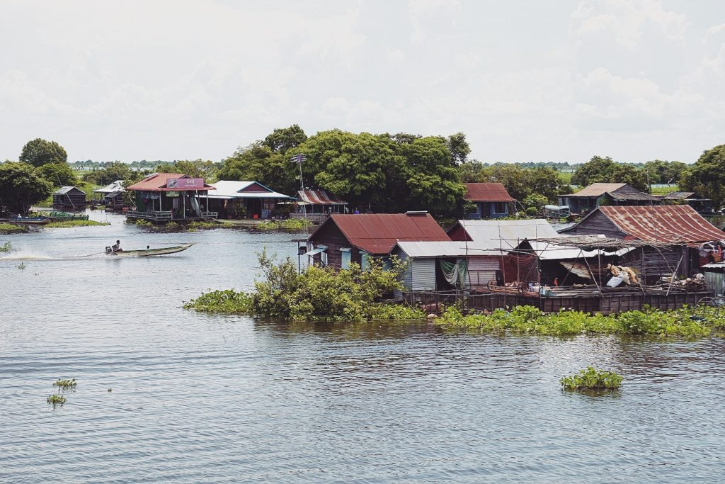 cambodge-village-flottant-tonle-sap